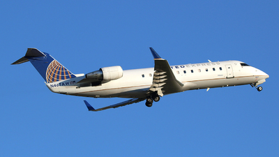 A picture of N467AW - Mitsubishi CRJ200LR - United Airlines - © Guy Langlois