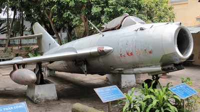 2505 - Mikoyan-Gurevich Mig-17F Fresco - Vietnam - Air Force