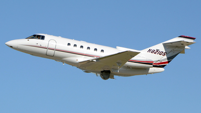A picture of N821QS - Hawker 800XP - NetJets - © DJ Reed - OPShots Photo Team