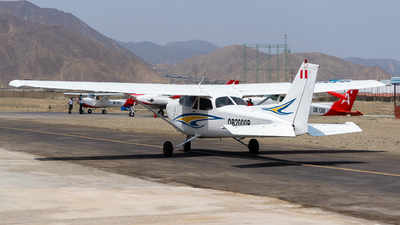 OB-2000P - Cessna 172R Skyhawk - Escuela de Pilotos - Master Of The Sky