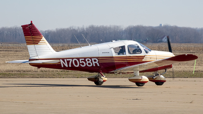 N7058R - Piper PA-28-140 Cherokee - Private