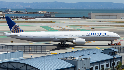 N2331U - Boeing 777-322ER - United Airlines