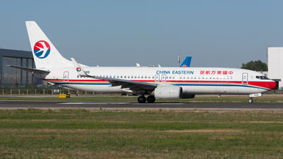 B-5085 - Boeing 737-89P - China Eastern Airlines