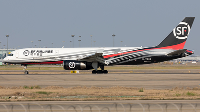 A picture of B7082 - Boeing 75725F(PCF) - SF Airlines - © liang TR