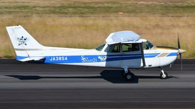 JA3854 - Cessna 172N Skyhawk II - Flight Club Sky Shaft