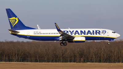 A picture of SPRSO - Boeing 7378AS - Ryanair - © SlowhanD