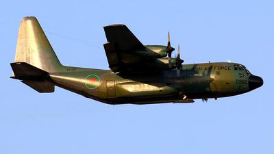 61-0962 - Lockheed C-130B Hercules - Bangladesh - Air Force