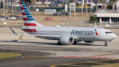 A picture of N326RP - Boeing 737 MAX 8 - American Airlines - © Giovanni Segarra Ortiz