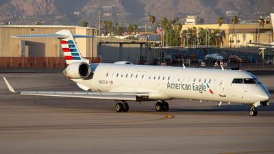A picture of N927LR - Mitsubishi CRJ900ER - American Airlines - © Alexander Owen