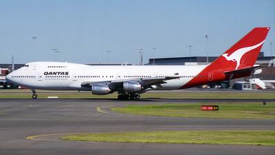 VH-EBR - Boeing 747-238B - Qantas