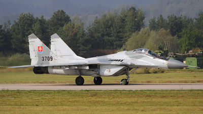 3709 - Mikoyan-Gurevich MiG-29 Fulcrum - Slovakia - Air Force