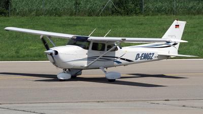 D-EMGZ - Cessna 172S Skyhawk SP - Private