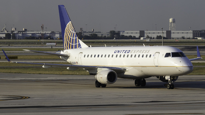 A picture of N656RW - Embraer E170SE - United Airlines - © Luke Dogan