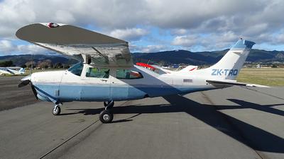 A picture of ZKTRO - Cessna T210R Turbo Centurion - [21064918] - © Tim Gorman