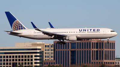A picture of N642UA - Boeing 767322(ER) - United Airlines - © wangruoyao