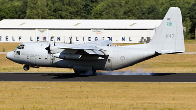 84002 - Lockheed Tp84 Hercules - Sweden - Armed Forces