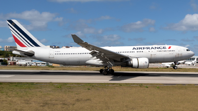 A picture of FGZCO - Airbus A330203 - Air France - © William Vignes