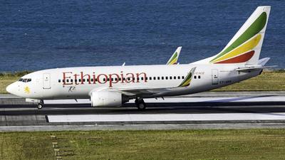 A picture of ETARD - Boeing 7377Q8 - Ethiopian Airlines - © Martin Rogosz