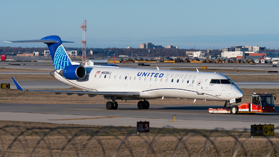 A picture of N508GJ - Mitsubishi CRJ550 - United Airlines - © bill wang