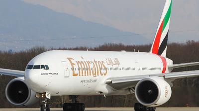 A6-EWD - Boeing 777-21HLR - Emirates