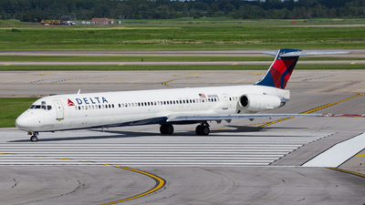N920DL - McDonnell Douglas MD-88 - Delta Air Lines
