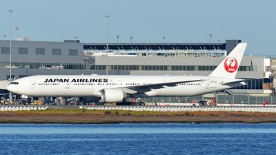 A picture of JA733J - Boeing 777346(ER) - Japan Airlines - © Sergey R