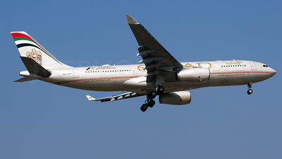 A6-EYP - Airbus A330-243 - Etihad Airways
