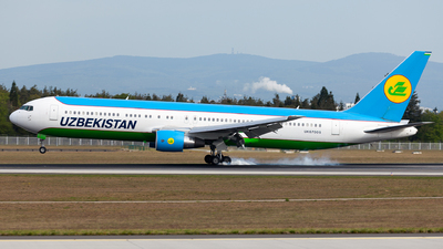 UK67005 - Boeing 767-33P(ER) - Uzbekistan Airways