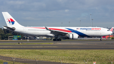 A picture of 9MMTF - Airbus A330323 - Malaysia Airlines - © Yota Takeshima