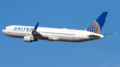 N672UA - Boeing 767-322(ER) - United Airlines