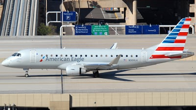 A picture of N300LK - Embraer E175LR - American Airlines - © Jason Whitebird