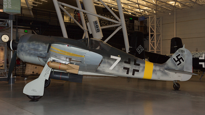 931884 - Focke-Wulf Fw190F-8 - Germany - Air Force