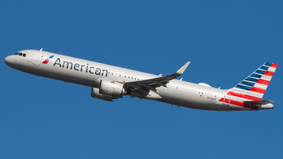 A picture of N415AN - Airbus A321253NX - American Airlines - © Gautham Kurup