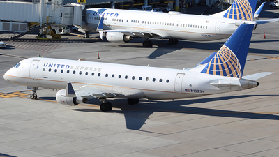 A picture of N132SY - Embraer E175LR - United Airlines - © Alexander Aston