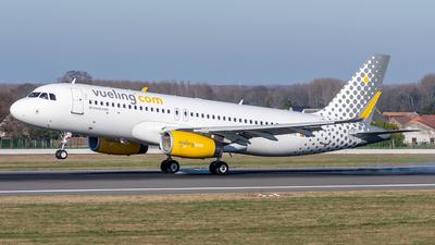 EC-MVE - Airbus A320-232 - Vueling