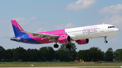 A picture of HALVH - Airbus A321271NX - Wizz Air - © Florian Resech