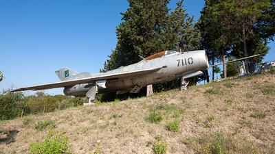7110 - Mikoyan-Gurevich MiG-19S Farmer C - Pakistan - Air Force