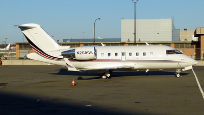 N208QS - Bombardier CL-600-2B16 Challenger 650 - NetJets Aviation