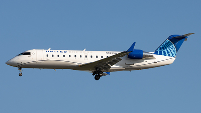A picture of N929SW - Mitsubishi CRJ200LR - United Airlines - © Sean Brink