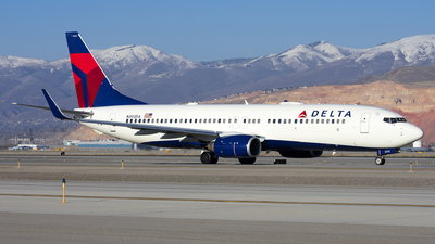 A picture of N392DA - Boeing 737832 - Delta Air Lines - © Michael Rodeback