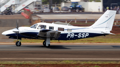 PR-SSP - Piper PA-34-220T Seneca V - Private