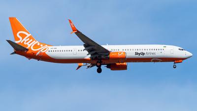 UR-SQK - Boeing 737-96NER - SkyUp Airlines