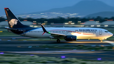 XA-AML - Boeing 737-852 - Aeromexico