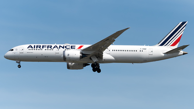 A picture of FHRBF - Boeing 7879 Dreamliner - Air France - © Andrew Hunt