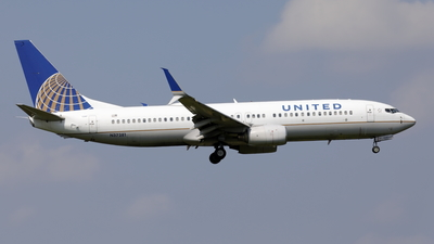 A picture of N37281 - Boeing 737824 - United Airlines - © Mitsuhiro Yamamoto