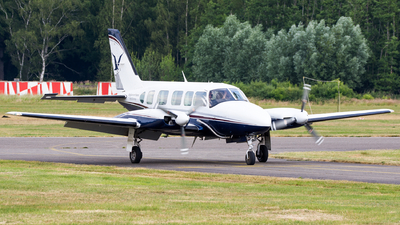 PH-PNX - Piper PA-31-350 Chieftain - Slagboom & Peeters Aerial Photography