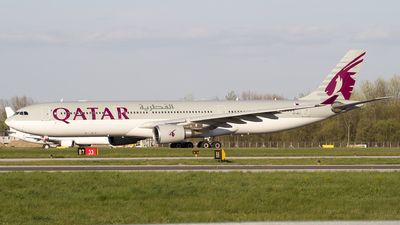 A7-AEJ - Airbus A330-302 - Qatar Airways
