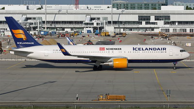 A picture of TFISO - Boeing 767319(ER) - Icelandair - © Michael Raucheisen