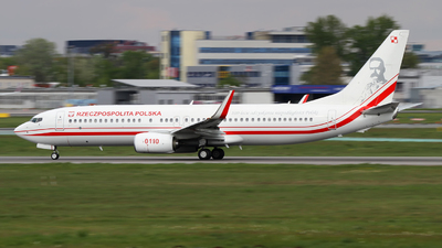 0110 - Boeing 737-86X - Poland - Air Force