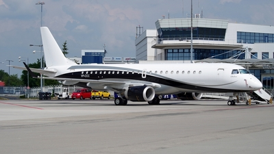 VP-CCC - Embraer 190 Lineage 1000 - Private
